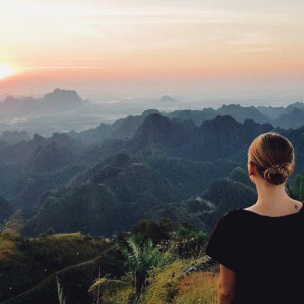 Mount Zwegabin zum Sonnenaufgang