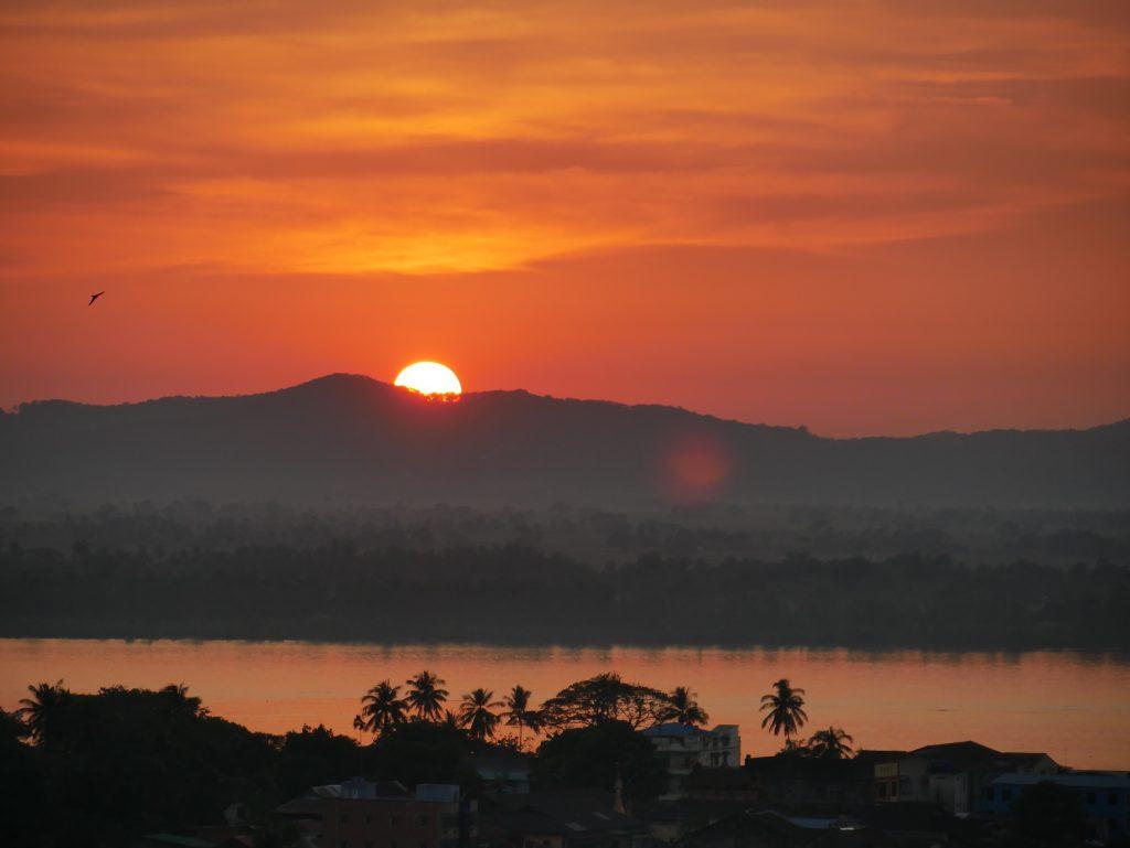 Route Myanmar Sonnenuntergang Mawlamyaing